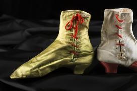 Báli cipők a XIX. századból