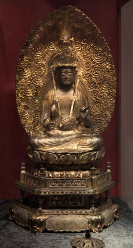 A Buddha-szobrot Ferenc Ferdinánd főherceg kapta ajándékba, mikor világ körüli útján Japánba látogatott.