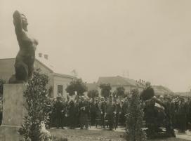 Emile Guillaume szobrának avatója