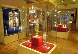 Szent Bertalan-templom Kincstára enteriőr