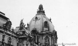 Szent Korona a budai vár kupoláján 1945-ig