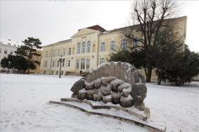 Megújult a Savaria Múzeum homlokzata és parkja