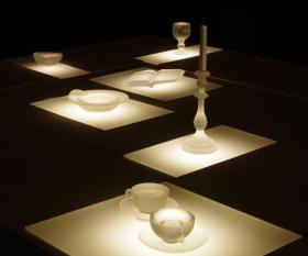 Hegyvári Bernadett: Asztal