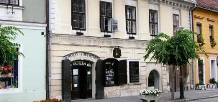 Black Szerecseny Pharmacy Museum
