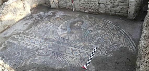 Poszeidónt ábrázoló mozaik