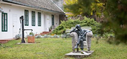 A Babits Mihály Emlékház kertje