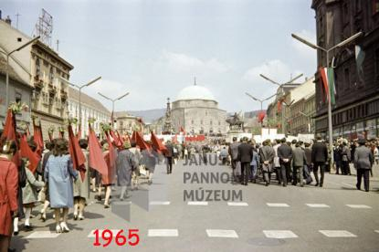 Május elsejei felvonulás, Pécs, 1965