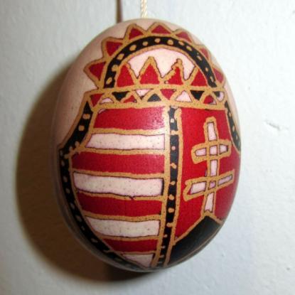 Bércziné Szendrő Csilla népi iparművész hímes tojása