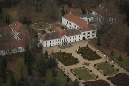 A nagycenki Széchenyi kastély és parkja