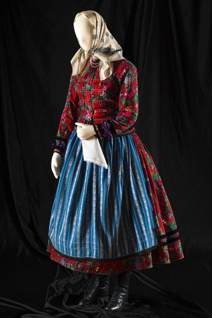 Ajaki női viselet, XX. század első fele