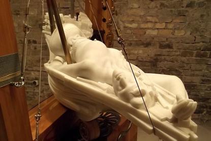 Párkányi Raab Péter szobrászművész alkotása