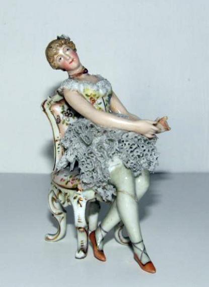 Porcelán balett táncos a Darnay hagyatékból