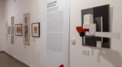 A Törésvonalak c. kiállítás egy részlete