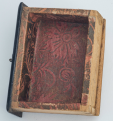 XVIII. század végi lakk kabinetszekrény fiókja, bababútor