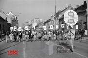 Május elsejei felvonulás, Pécs, 1982