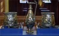 A Seuso-kincs néven ismert, késő római ezüstkészlet darabjai, az úgynevezett Hippolytos vödör és kancsó az Országházban 2017. július 14-én. A Seuso-kincs újabb hét darabjának visszaszerzésével a teljes ismert leletegyüttes hazatért, amelyet augusztus végéig a Parlamentben mutatnak be a nagyközönségnek.