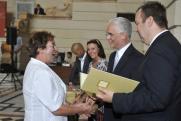Skaliczki Judit, az Oktatási és Kulturális Minisztérium nyugalmazott főosztályvezető-helyettese átveszi a Széchenyi Ferenc-díjat Balog Zoltán emberi erőforrások miniszterétől.
