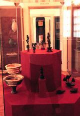 """Részlet az állandó régészeti kiállítás """"Római lakoma"""" c. anyagából"""