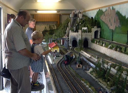 Modell railway driving