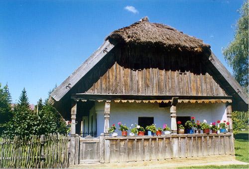 &#169 Szabadtéri Néprajzi Gyűjtemény (Falumúzeum)<br>A múzeum épülete